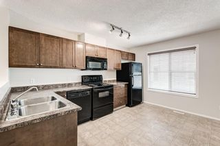 Photo 3: 225 Elgin Gardens SE in Calgary: McKenzie Towne Row/Townhouse for sale : MLS®# A1132370