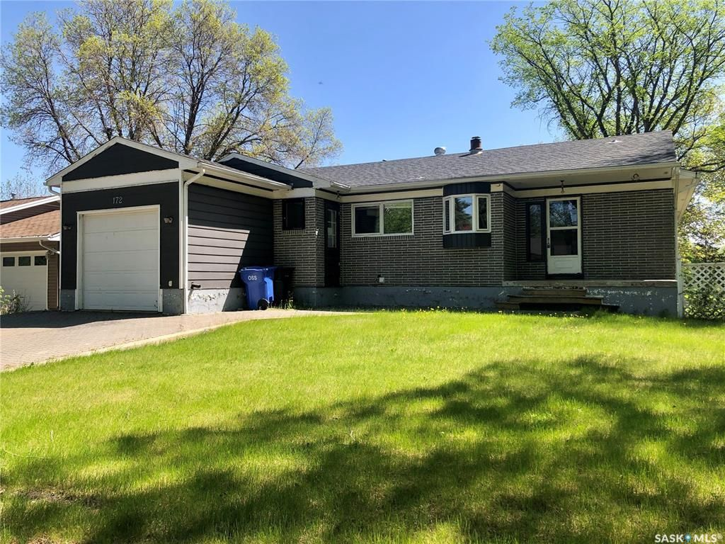 Main Photo: 172 Coronation Drive in Canora: Residential for sale : MLS®# SK799386
