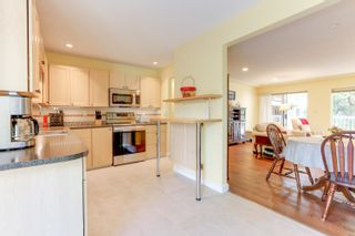 """Photo 7: 205 33401 MAYFAIR Avenue in Abbotsford: Central Abbotsford Condo for sale in """"MAYFAIR GARDENS"""" : MLS®# R2611471"""