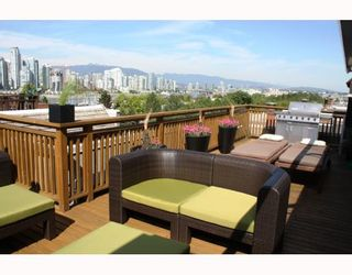 """Photo 1: 1282 W 6TH Avenue in Vancouver: Fairview VW Townhouse for sale in """"VANDERLEE COURT"""" (Vancouver West)  : MLS®# V770008"""