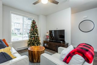 """Photo 2: 4 2988 151 Street in Surrey: Sunnyside Park Surrey Townhouse for sale in """"SouthPoint Walk"""" (South Surrey White Rock)  : MLS®# R2425343"""