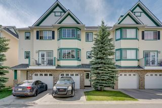 Main Photo: 64 COUGAR RIDGE Mews SW in Calgary: Cougar Ridge Row/Townhouse for sale : MLS®# A1104362