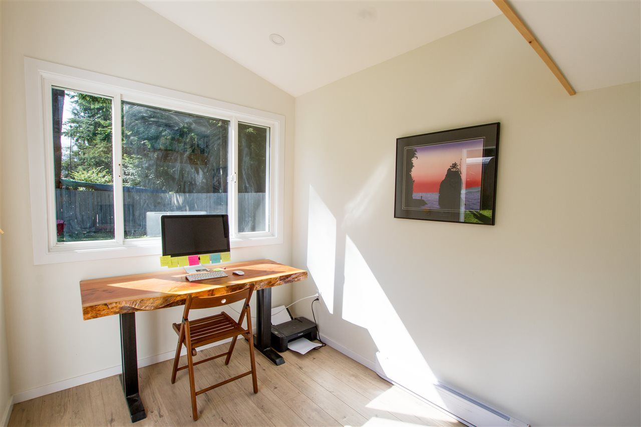 Photo 19: Photos: 41929 ROSS Road in Squamish: Brackendale House for sale : MLS®# R2514201