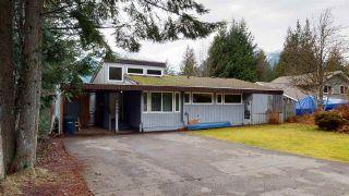 Photo 2: 40465 FRIEDEL Crescent in Squamish: Garibaldi Highlands House for sale : MLS®# R2529321