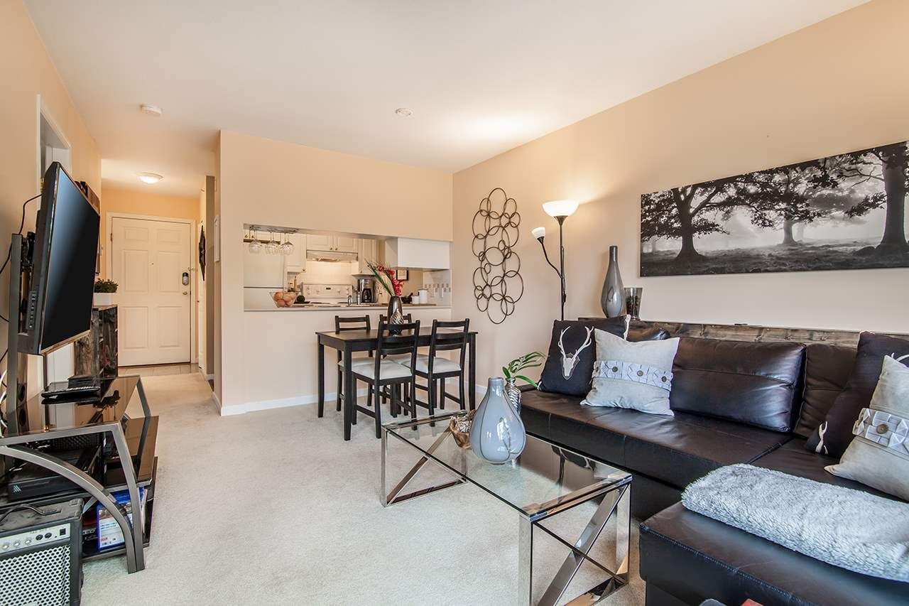 """Photo 6: Photos: 409 929 W 16TH Avenue in Vancouver: Fairview VW Condo for sale in """"OAKVIEW GARDENS"""" (Vancouver West)  : MLS®# R2189624"""