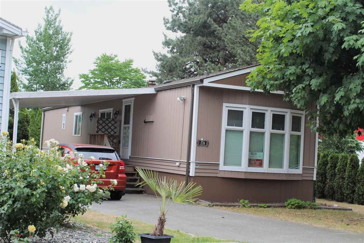 "Photo 1: Photos: 176 145 KING EDWARD Street in Coquitlam: Maillardville Manufactured Home for sale in ""MILL CREEK VILLAGE"" : MLS®# R2276955"