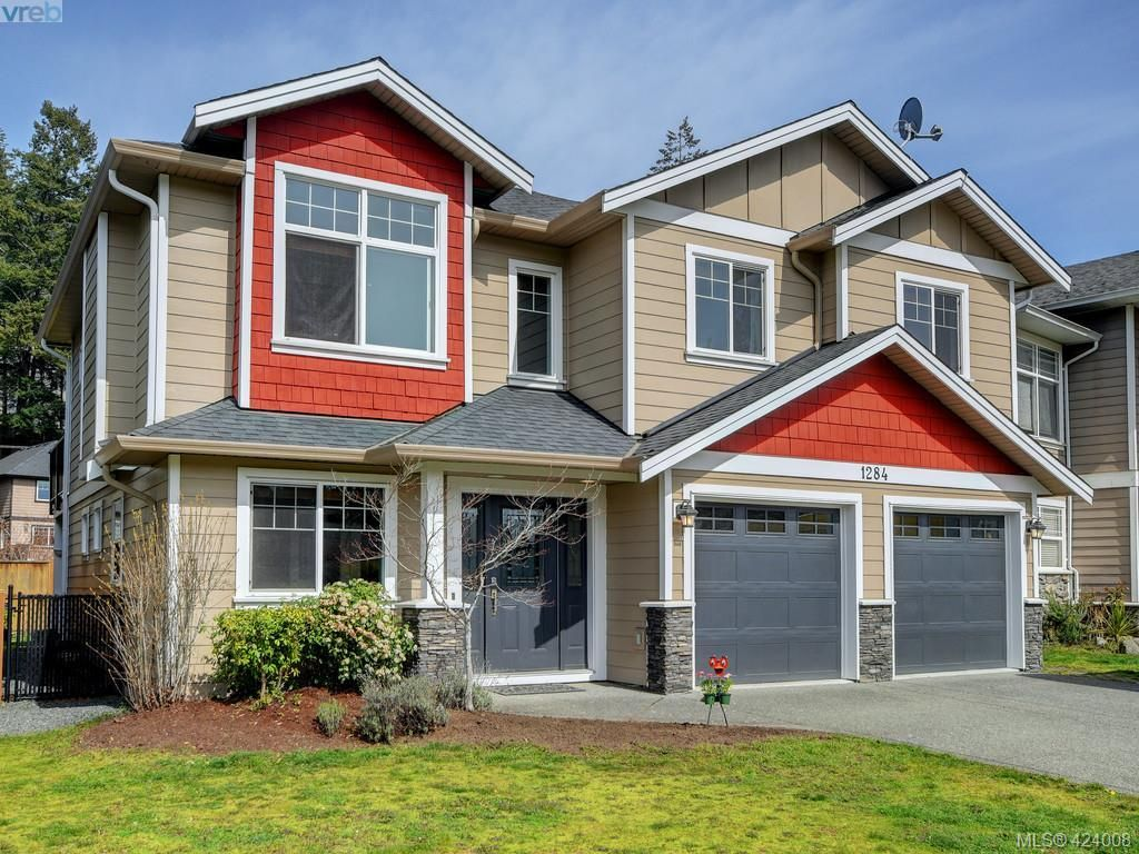 Main Photo: 1284 Kingfisher Pl in VICTORIA: La Langford Lake House for sale (Langford)  : MLS®# 837403