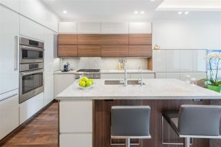 """Photo 8: 168 BOATHOUSE Mews in Vancouver: Yaletown Townhouse for sale in """"Marinaside Resort"""" (Vancouver West)  : MLS®# R2587224"""