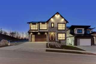 """Photo 2: 35341 RAVEN Court in Abbotsford: Abbotsford East House for sale in """"Eagle Mountain"""" : MLS®# R2573212"""