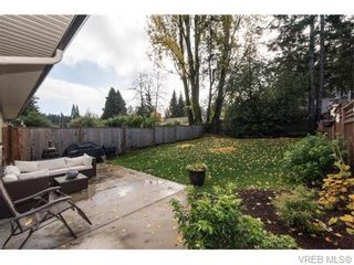 Photo 6: 2566 Selwyn Rd in VICTORIA: La Mill Hill Half Duplex for sale (Langford)  : MLS®# 744883