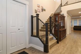 Photo 3: 33592 2ND Avenue in Mission: Mission BC 1/2 Duplex for sale : MLS®# R2431851