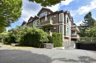 """Photo 3: 304 3218 ONTARIO Street in Vancouver: Main Condo for sale in """"Ontario Place"""" (Vancouver East)  : MLS®# R2502317"""