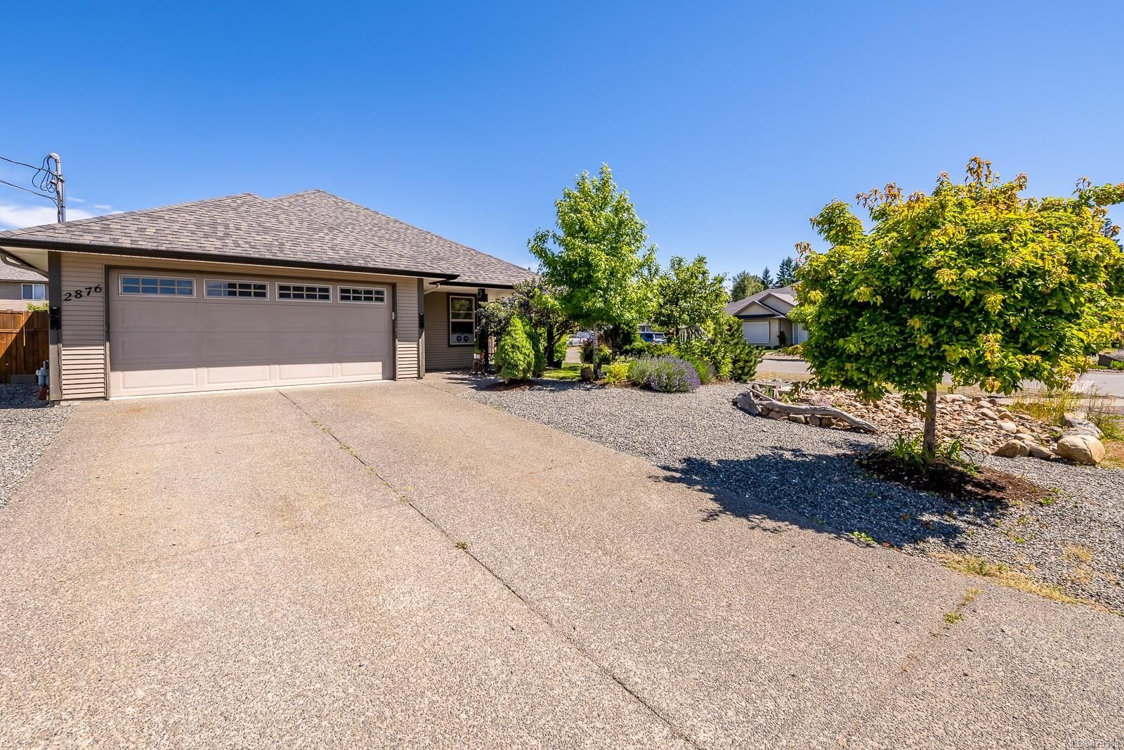 Main Photo: 2876 Ulverston Ave in : CV Cumberland House for sale (Comox Valley)  : MLS®# 879581