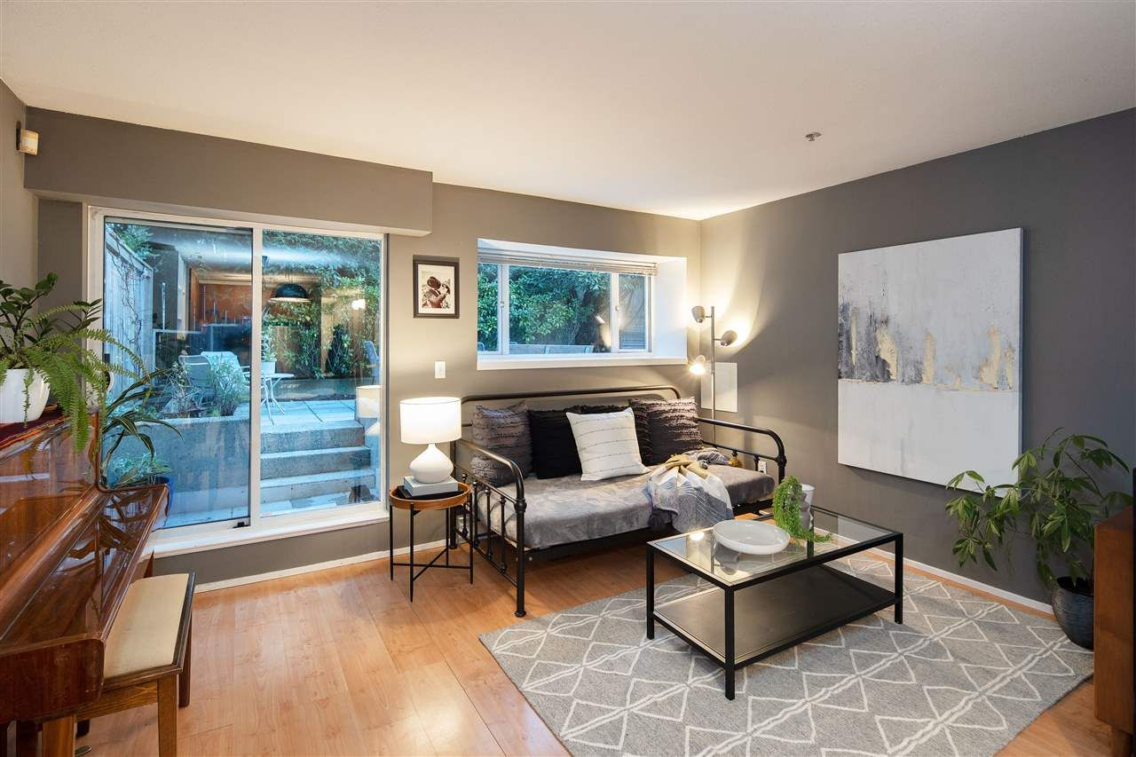 """Photo 2: Photos: 102 788 E 8TH Avenue in Vancouver: Mount Pleasant VE Condo for sale in """"Chelsea Court"""" (Vancouver East)  : MLS®# R2515993"""