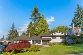 """Photo 2: 1838 HARBOUR Drive in Coquitlam: Harbour Place House for sale in """"Harbour Chines"""" : MLS®# R2618895"""