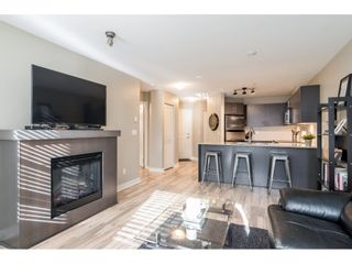 """Photo 5: 113 8915 202 Street in Langley: Walnut Grove Condo for sale in """"THE HAWTHORNE"""" : MLS®# R2444586"""