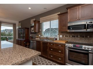 """Photo 3: 2060 RIESLING Drive in Abbotsford: Aberdeen House for sale in """"Pepin Brook"""" : MLS®# R2435586"""