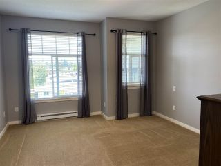 Photo 9: 402 2068 SANDALWOOD CRESCENT in Abbotsford: Central Abbotsford Condo for sale : MLS®# R2469396