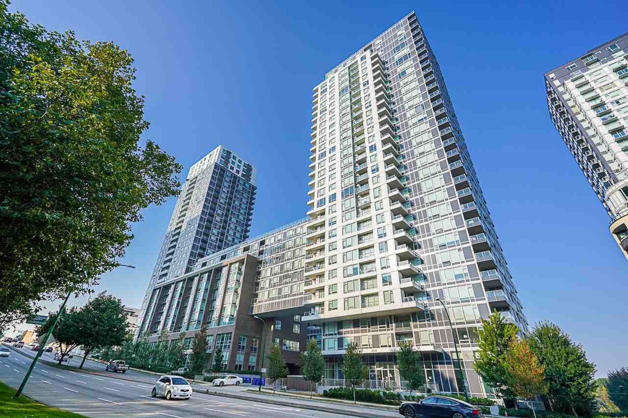 "Main Photo: 751 5515 BOUNDARY Road in Vancouver: Collingwood VE Condo for sale in ""WALL CENTRE - CENTRAL PARK"" (Vancouver East)  : MLS®# R2496450"