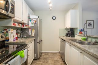 """Photo 24: 102 5577 SMITH Avenue in Burnaby: Central Park BS Condo for sale in """"Cottonwood Grove"""" (Burnaby South)  : MLS®# R2481228"""