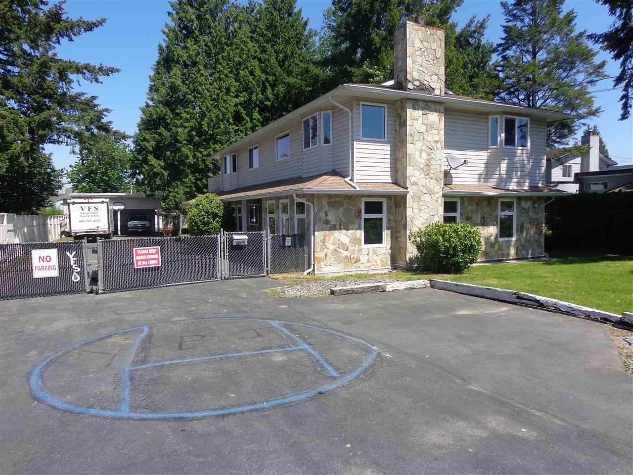Main Photo: 15525 92 Avenue in Surrey: Fleetwood Tynehead House for sale : MLS®# R2268789