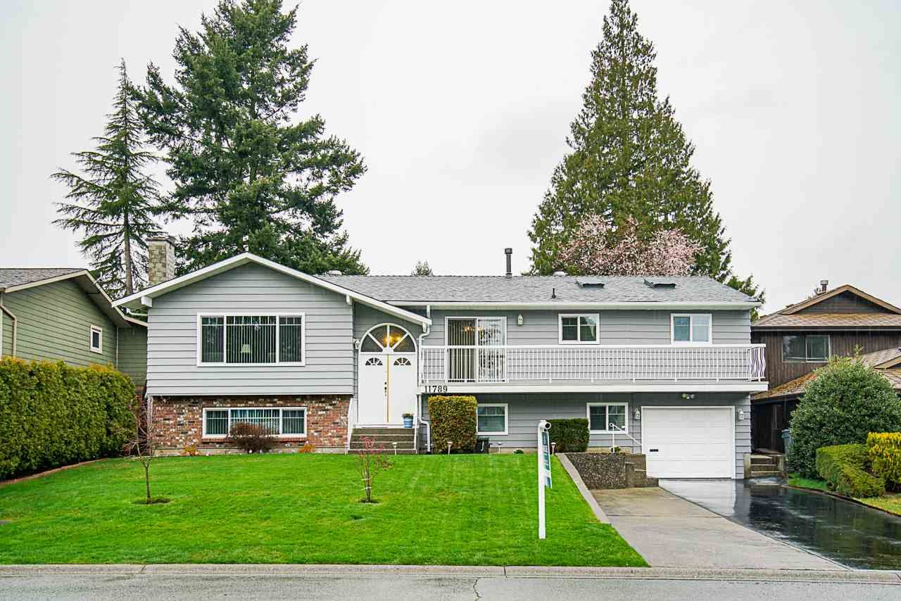 Main Photo: 11789 64B Avenue in Delta: Sunshine Hills Woods House for sale (N. Delta)  : MLS®# R2564042