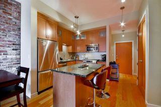 Photo 3: 208 240 Salter Street in New Westminster: Queensborough Condo for sale : MLS®# R2146980