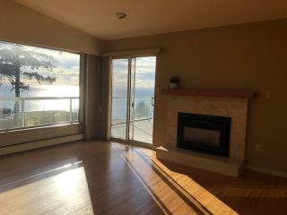 """Photo 12: 14887 HARDIE Avenue: White Rock House for sale in """"White Rock"""" (South Surrey White Rock)  : MLS®# R2509233"""