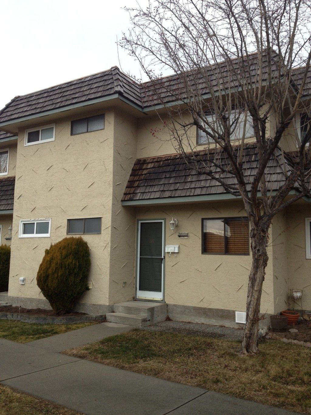 Main Photo: : Residential Attached for sale : MLS®# 145092