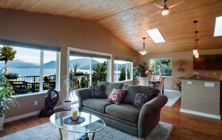 Photo 5: 1841 NORTH Road in Gibsons: Gibsons & Area House for sale (Sunshine Coast)  : MLS®# R2619808