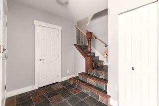"""Photo 2: 10 1200 EDGEWATER Drive in Squamish: Northyards Townhouse for sale in """"Edgewater"""" : MLS®# R2603917"""