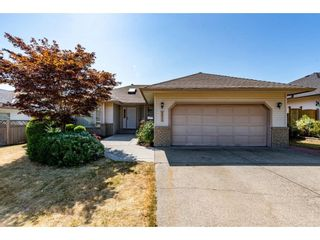 Photo 2: 2913 SOUTHERN Place in Abbotsford: Abbotsford West House for sale : MLS®# R2601782