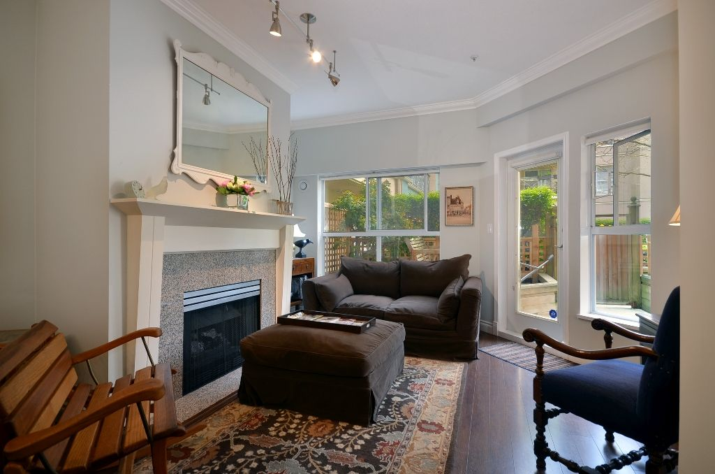 """Main Photo: 119 511 W 7TH Avenue in Vancouver: Fairview VW Condo for sale in """"BEVERLY GARDENS"""" (Vancouver West)  : MLS®# V949157"""