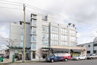 """Photo 13: 522 2008 PINE Street in Vancouver: False Creek Condo for sale in """"MANTRA"""" (Vancouver West)  : MLS®# R2348599"""