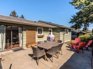 Photo 4: 568 Bambrick Pl in COMOX: CV Comox (Town of) House for sale (Comox Valley)  : MLS®# 837196