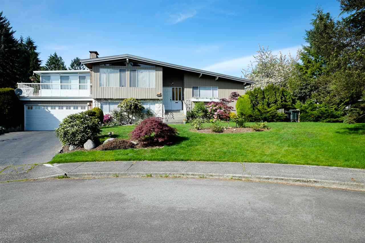 Main Photo: 3345 CARDINAL Drive in Burnaby: Government Road House for sale (Burnaby North)  : MLS®# R2067088