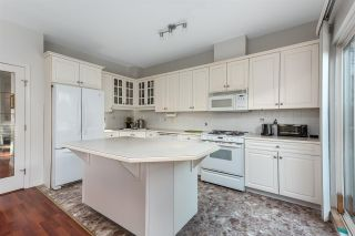 Photo 2: 259 E 6TH STREET in North Vancouver: Lower Lonsdale Townhouse for sale : MLS®# R2419124