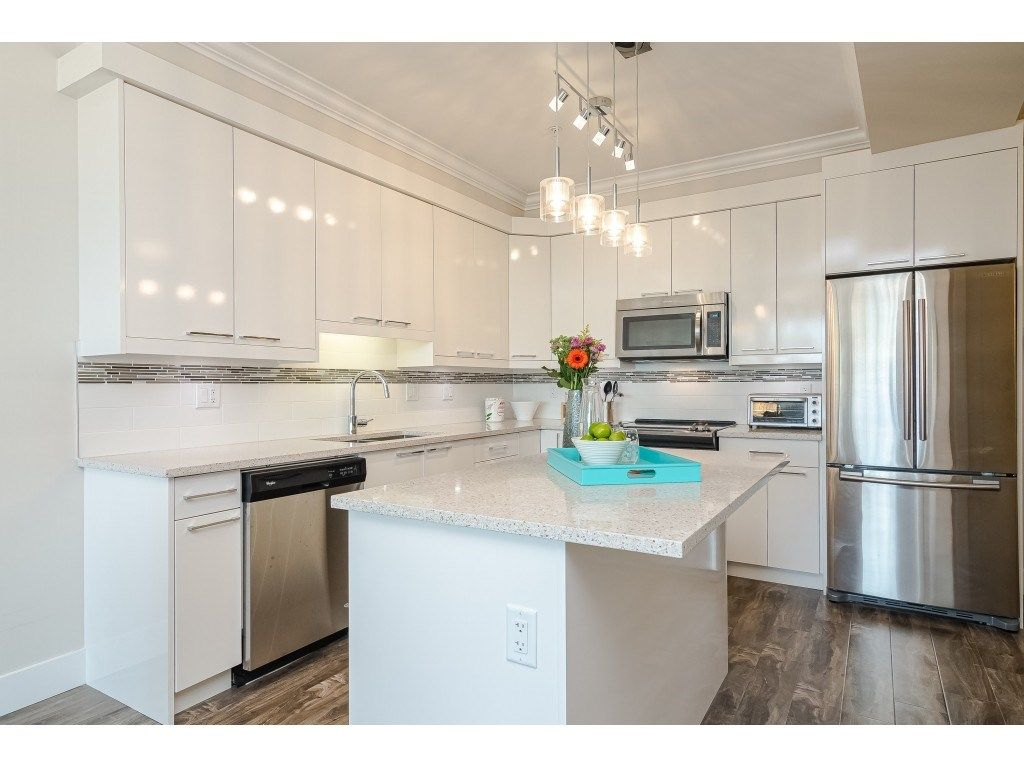 """Photo 3: Photos: 315 19228 64 Avenue in Surrey: Clayton Condo for sale in """"FOCAL POINT"""" (Cloverdale)  : MLS®# R2481765"""