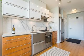 """Photo 3: 901 718 MAIN Street in Vancouver: Strathcona Condo for sale in """"Ginger"""" (Vancouver East)  : MLS®# R2590800"""