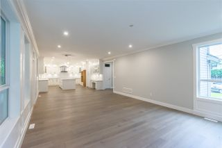 Photo 8: 4851 201A STREET in Langley: Brookswood Langley House for sale : MLS®# R2508520
