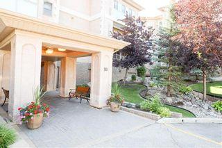 Photo 2: 309 93 Swindon Way in Winnipeg: Tuxedo Condominium for sale (1E)  : MLS®# 202018771
