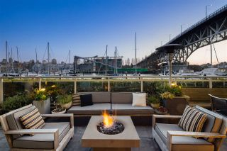 """Photo 2: 626 KINGHORNE Mews in Vancouver: Yaletown Townhouse for sale in """"Silver Sea"""" (Vancouver West)  : MLS®# R2575284"""