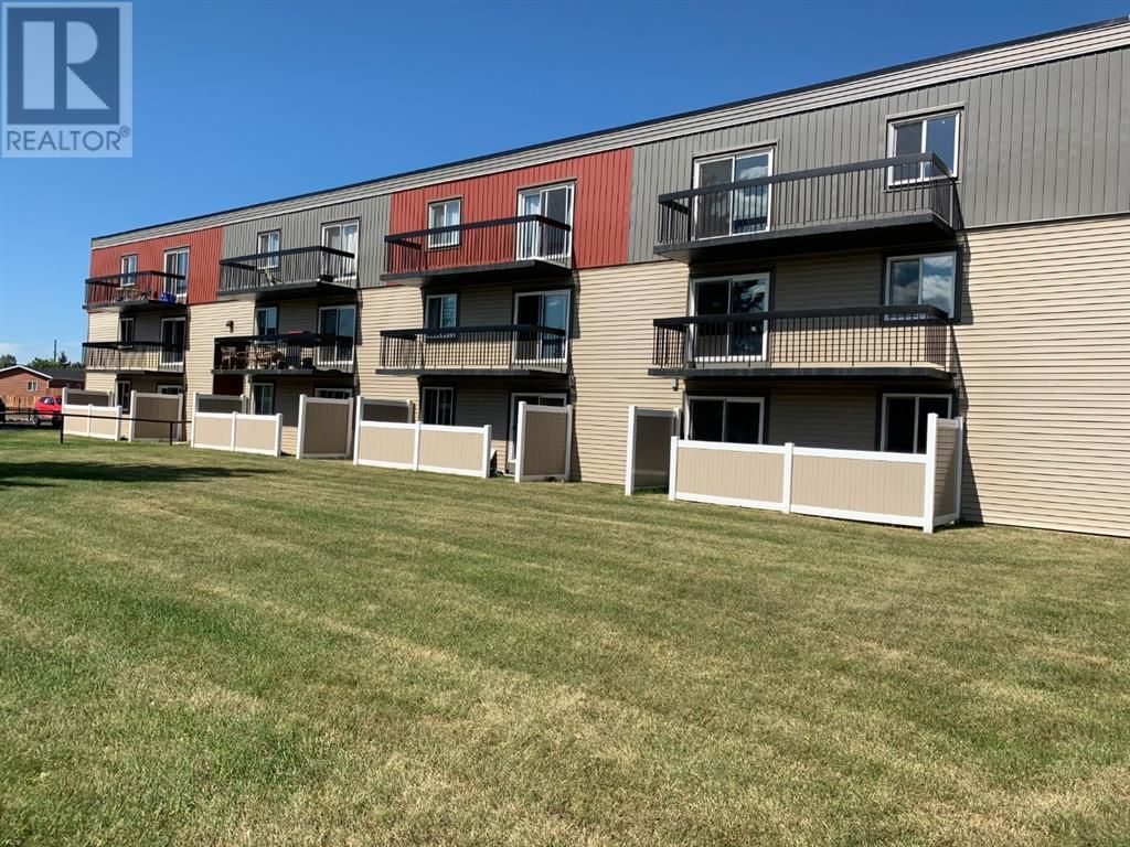 Main Photo: 38, 616 Main Street NW in Slave Lake: Condo for sale : MLS®# A1137332