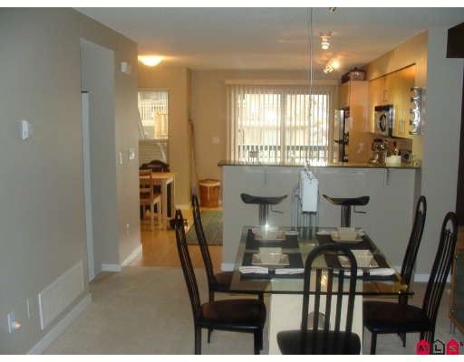"""Photo 4: Photos: 26 19250 65TH Avenue in Surrey: Clayton Townhouse for sale in """"Sunberry Court"""" (Cloverdale)  : MLS®# F2802538"""