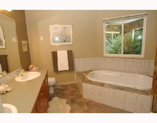 Photo 7: 2536 BRONTE Drive in North_Vancouver: Blueridge NV House for sale (North Vancouver)  : MLS®# V681757