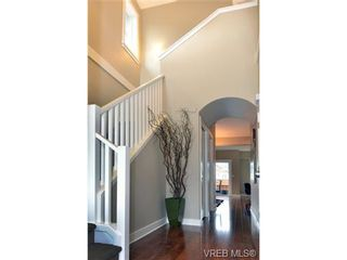 Photo 2: 1010 Grob Court in : La Westhills Residential for sale (Langford)  : MLS®# 331631