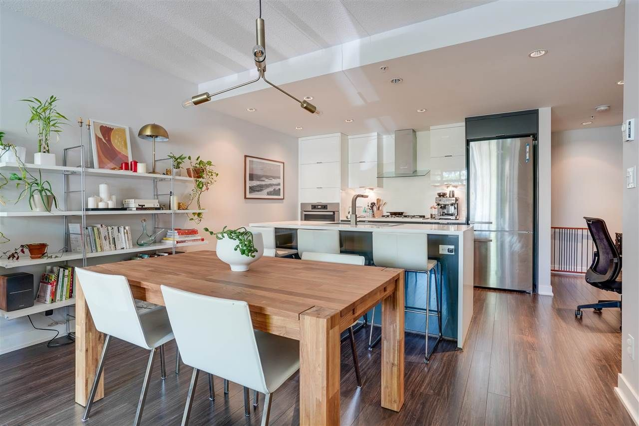 """Main Photo: 1786 W 6TH Avenue in Vancouver: Fairview VW Townhouse for sale in """"KITS 360"""" (Vancouver West)  : MLS®# R2572701"""