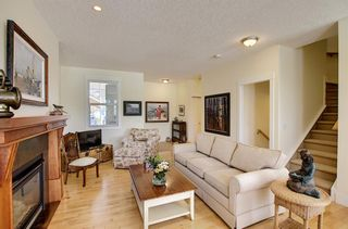 Photo 7: 45 Discovery Heights SW in Calgary: Discovery Ridge Row/Townhouse for sale : MLS®# A1109314
