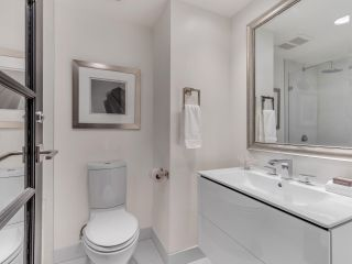 """Photo 23: 801 1383 MARINASIDE Crescent in Vancouver: Yaletown Condo for sale in """"COLUMBUS"""" (Vancouver West)  : MLS®# R2504775"""