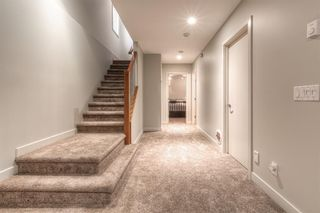 Photo 36: 2306 3 Avenue NW in Calgary: West Hillhurst Detached for sale : MLS®# A1100228